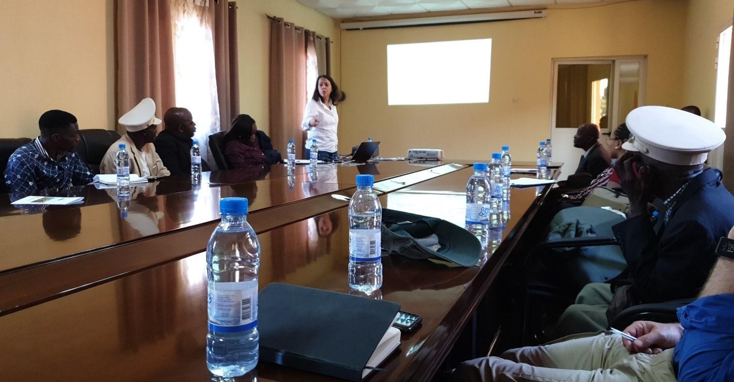 Ana Ramos of Grupo Simples - ESIA consultants - Longonjo Administration meeting September 2019